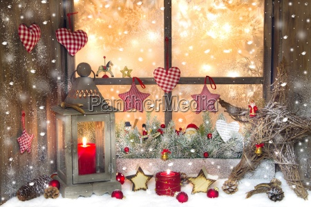 red christmas decoration with lantern on