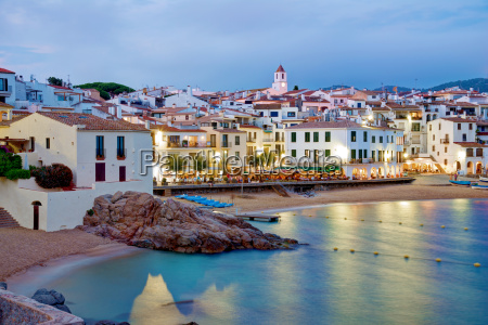 calella de palafrugell at night costa