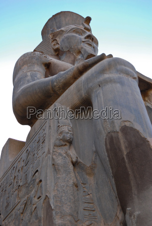seated statue of ramses ii in