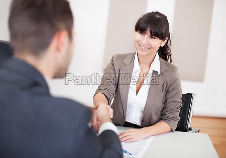 unge forretningskvinde pa interviewet