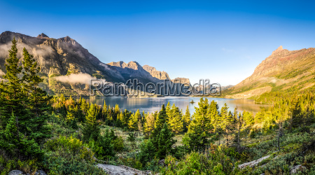 panoramic landscape view of glacier np