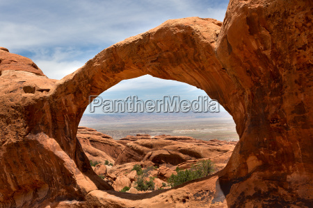 landscape seen through upper double o
