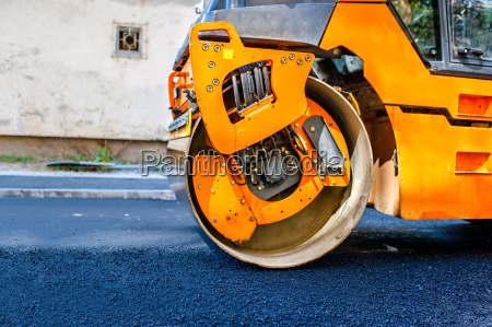 heavy tandem vibration roller compactor at