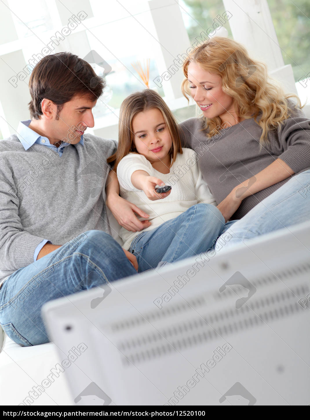 family, watching, movie, on, television - 12520100