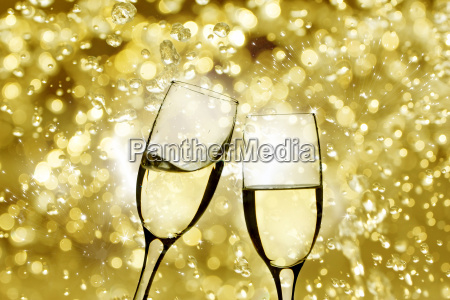champagne, glasses - 12523064