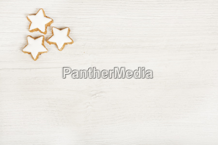 white wood background with cookies