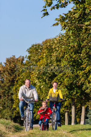 family at bike tour in the