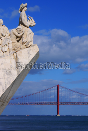 monument to the discoveries of the