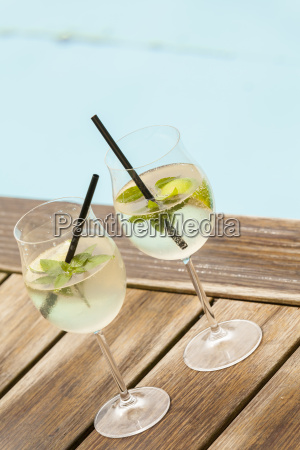 fresh hugo with mint lime and