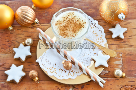 eggnog with cinnamon