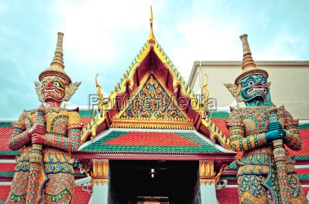 guard daemon royal palace bangkok