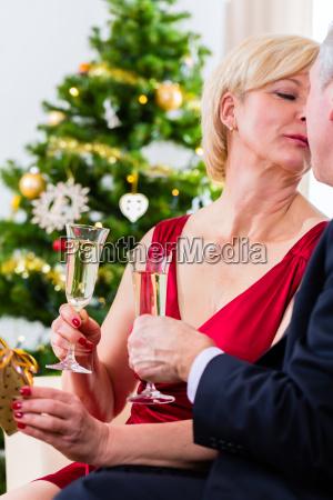 in love pensioner couple celebrates christmas