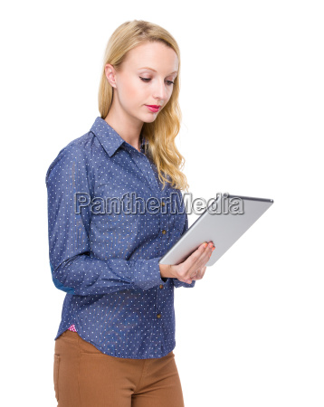 woman read something on tablet