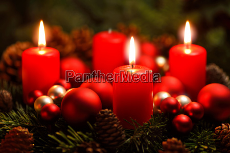 advent wreath with three flames
