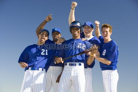 baseball team in blauen uniformen die
