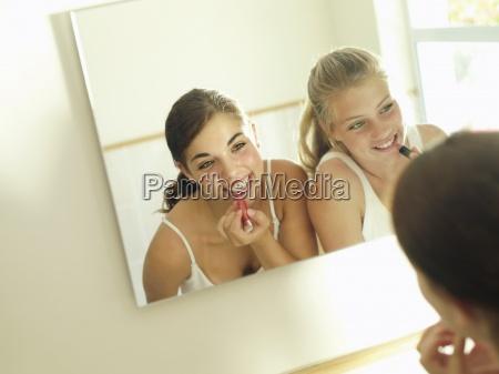 teenage girls 15 17 looking at