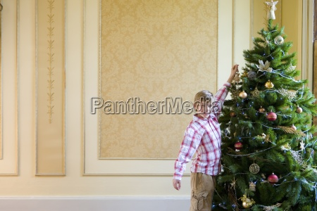 boy 7 9 hanging decoration on