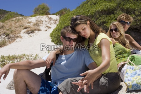 two teenage couples 17 19 sitting
