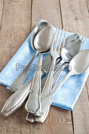 cutlery with napkin