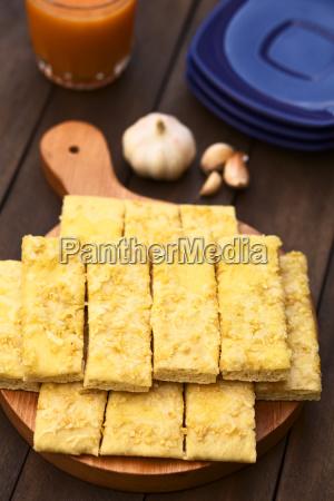 garlic and cheese sticks