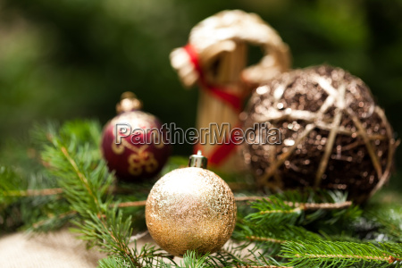 golden christmas tree balls glittering on