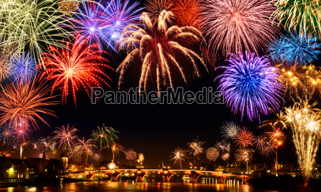 grandiose new year fireworks