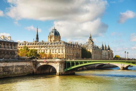 the conciergerie building in paris france