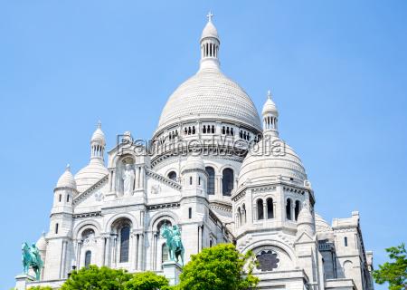 sacre coeur cathedral montmartre paris