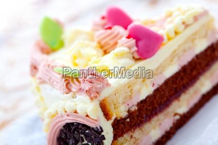 valentine cake pie with heart
