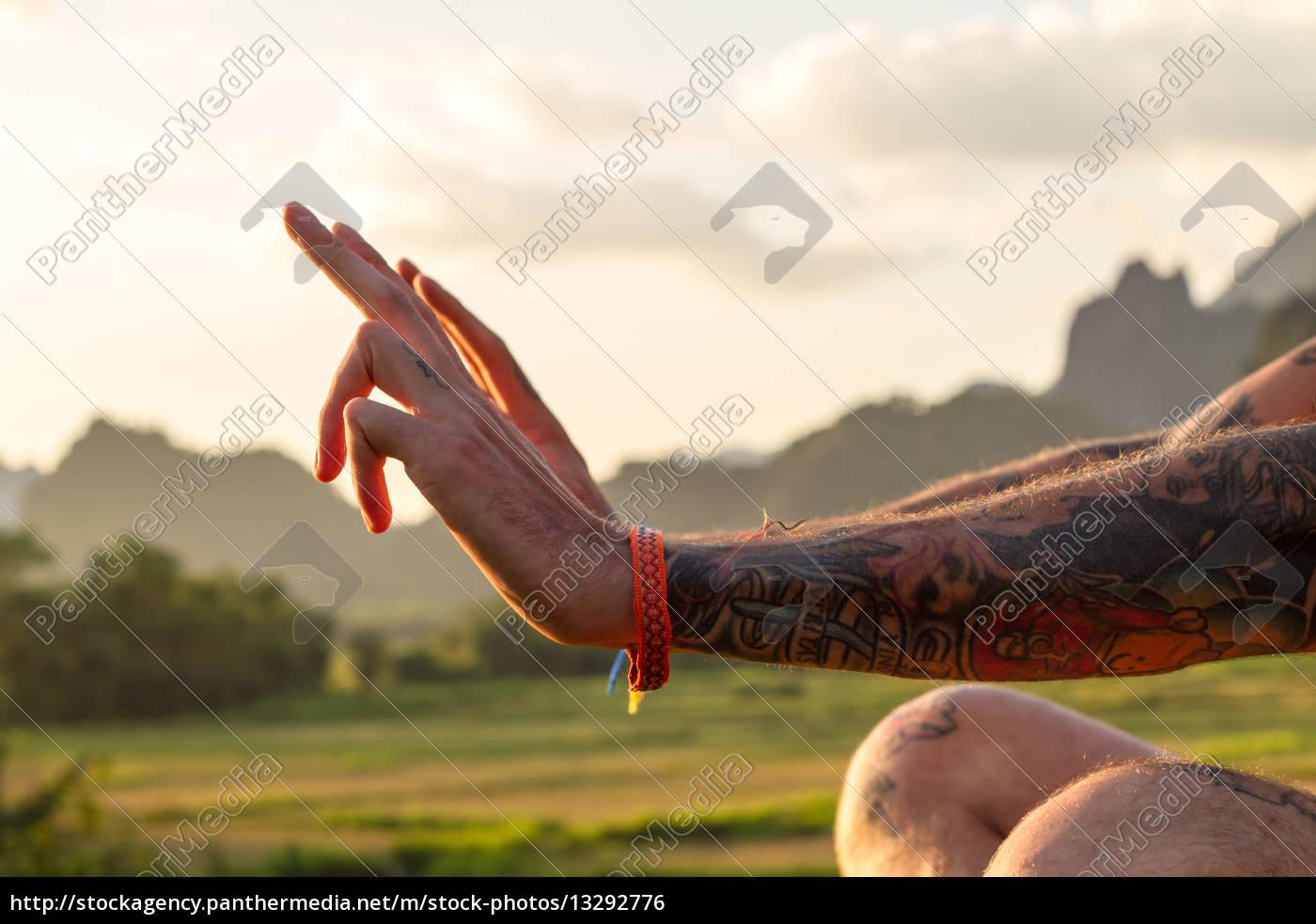 hand, hands, finger, mountains, asia, human - 13292776