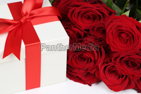 gift with roses for gifts for