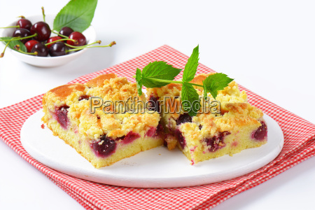 cherry crumbcake squares