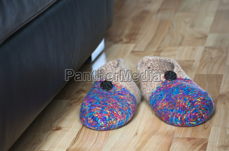 slippers - 13374320
