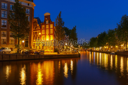 night city view of amsterdam canal