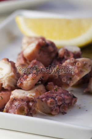 greek octopussalate with lemon