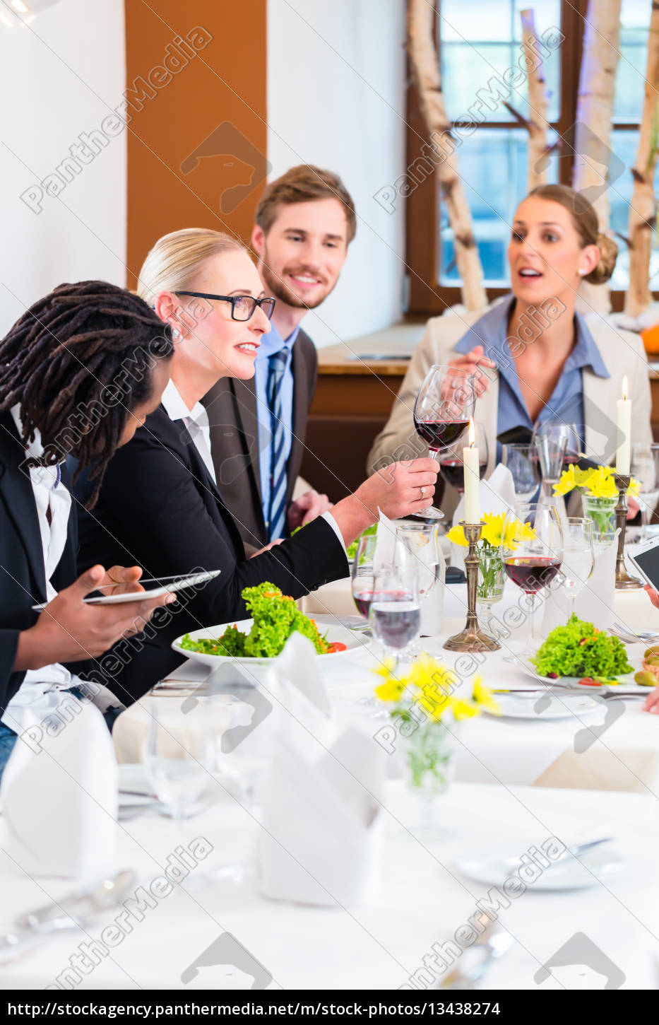 team, business, meals, in, the, restaurant - 13438274