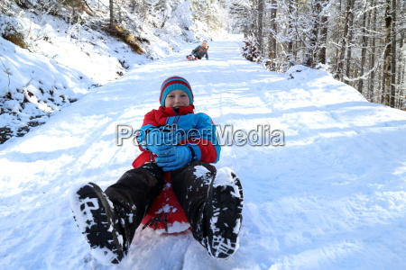 children, sledging - 13444472