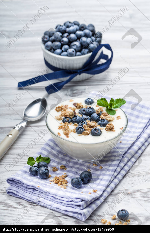 bilberry, yogurt, with, muesli - 13479950