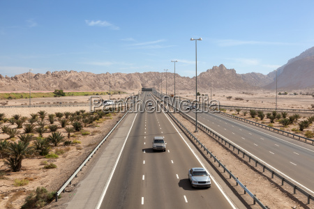highway at the jebel hafeet mountains