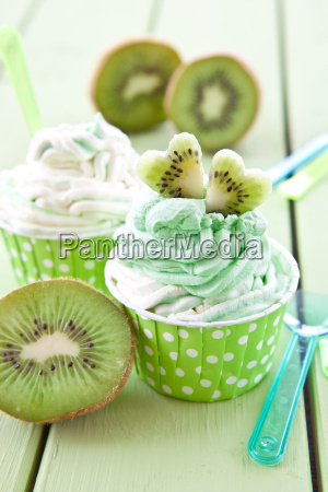 vanilla and kiwi ice cream