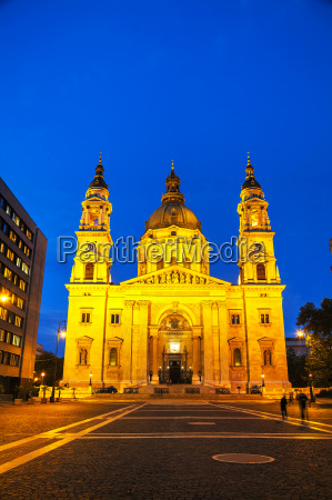 st stephen basilica in budapest hungary