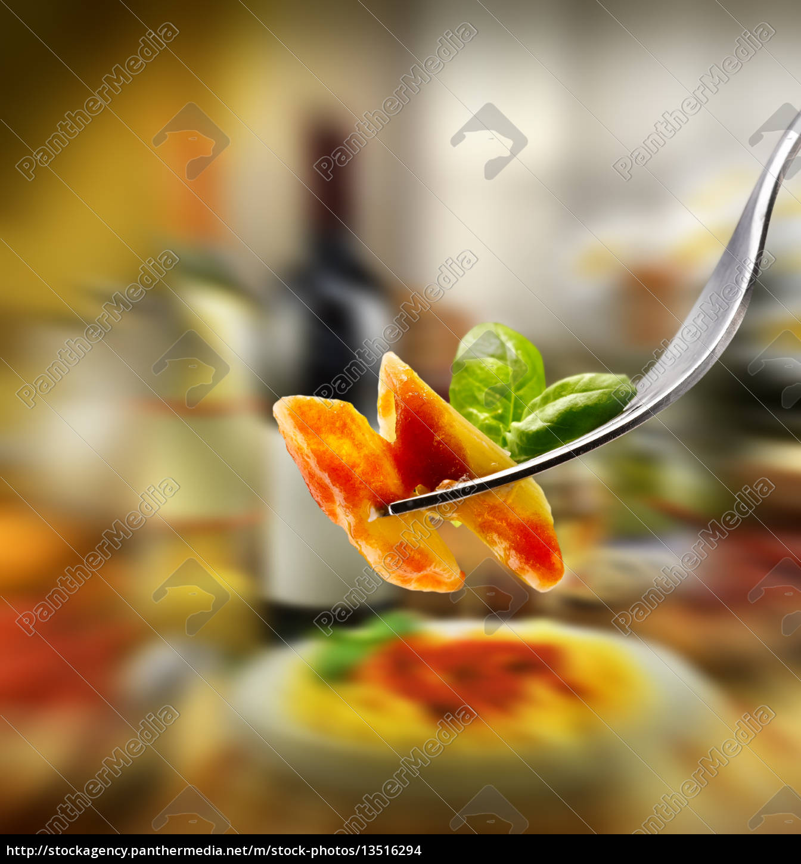 tomato, sauce - 13516294
