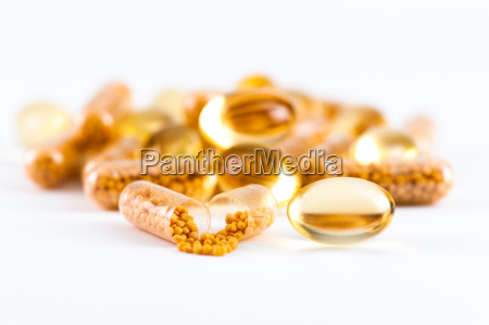 vitamin capsules and omega 3 capsules