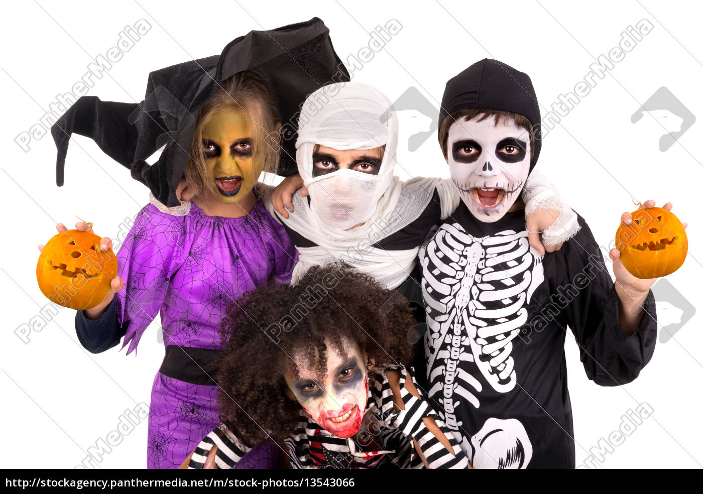 kids, in, halloween, costumes - 13543066