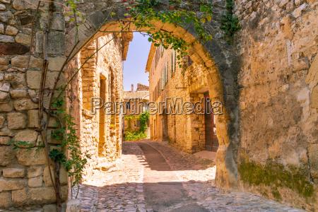casco antiguo en la provenza