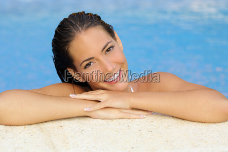 beauty woman with perfect skin and