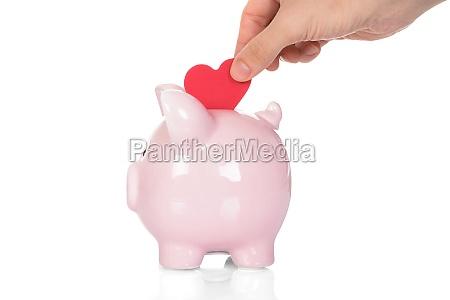 hand, deposit, red, heart, in, piggy - 13689370