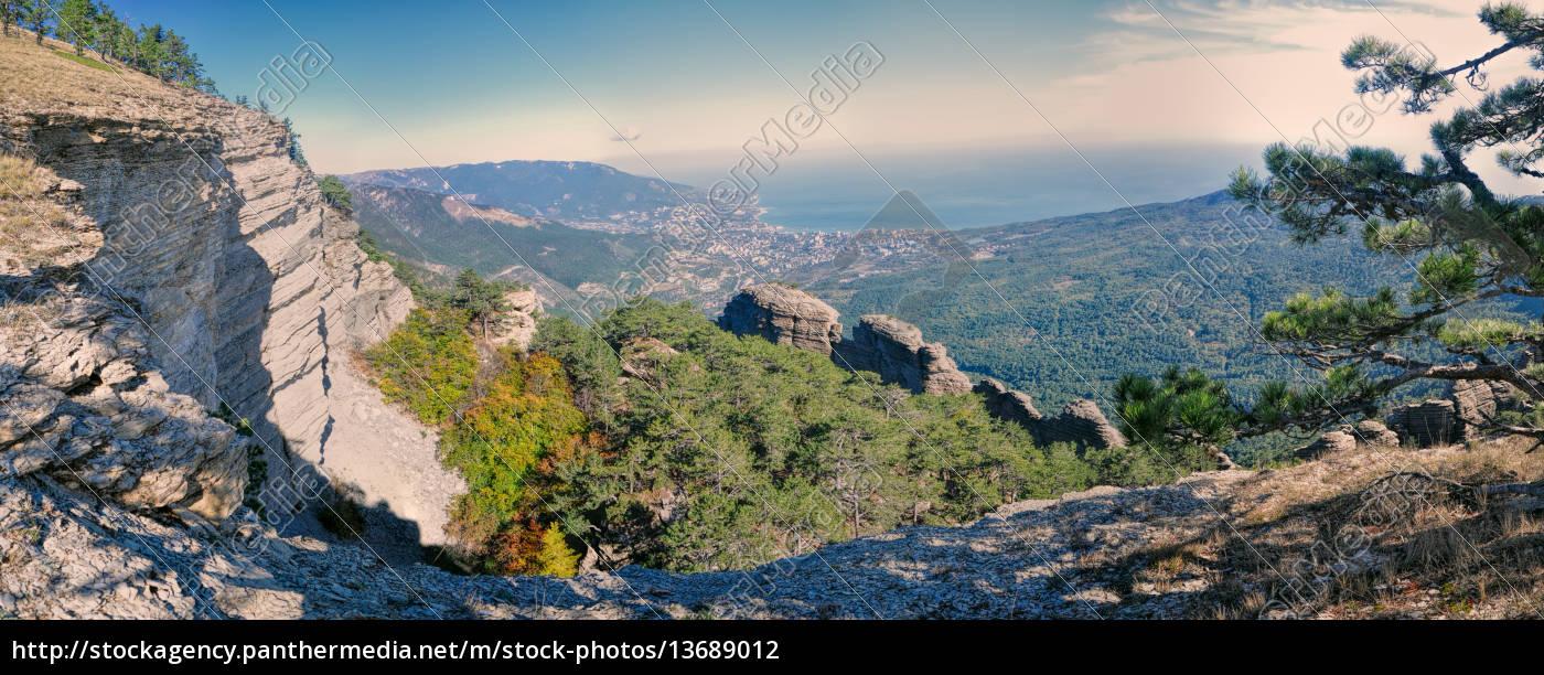 yalta, in, ukraine - 13689012