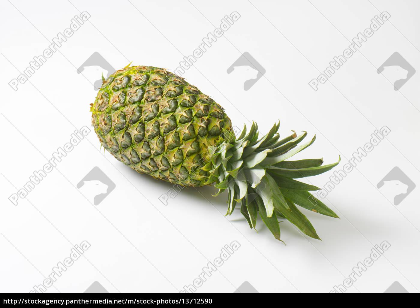 whole, pineapple - 13712590