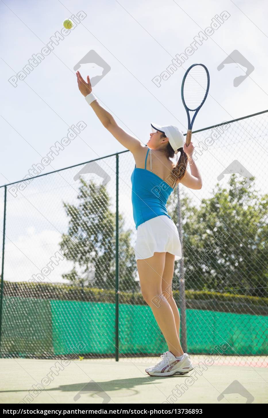 pretty, tennis, player, about, to, serve - 13736893